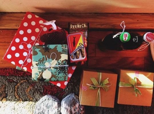 Camo Christmas wrapping!! :D