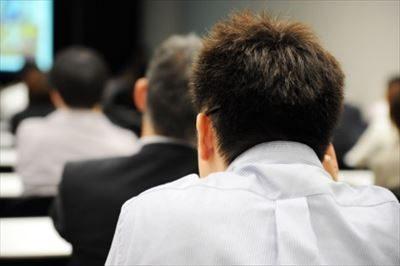 ビジネスコンサルティングの講座を開催する【大人のためのBranding Produce】
