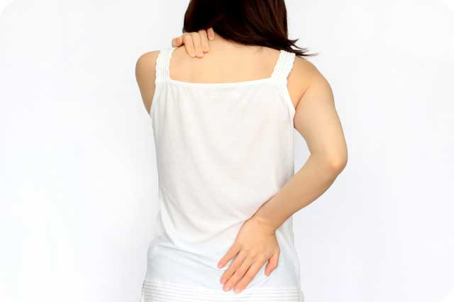慢性的な腰や肩の痛み