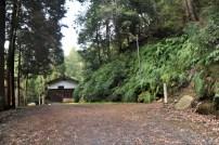 瓶割山(長光寺山)不二滝ルート-右側に登り口