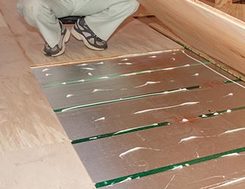 長野市床暖房設置後のフローリング張り替えで注意する事とは