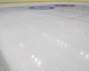 長野市床リフォームペットが滑りやすいのはスケートリンク
