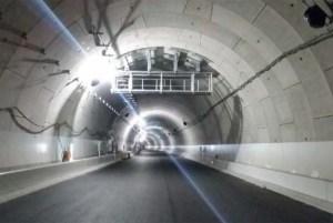 横浜北トンネル(神奈川区子安台~港北区新羽町、5.9km)内部の様子(首都高のニュースリリースより)