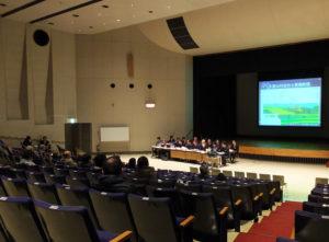 港北公会堂で開かれた説明会には住民約30名が参加した