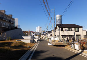 66戸の住宅地「セキュレア新横浜」内では次第に入居者が増えている