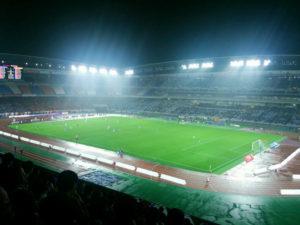 日産スタジアムではラグビーW杯の決勝戦開催に向けて照明を明るくする