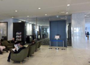 1階フロントの正面右手に新設された団体専用待合室
