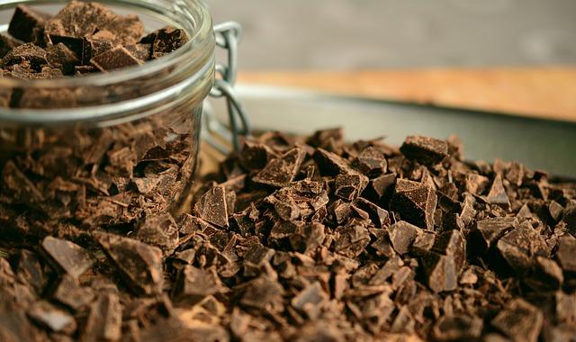 細かく割れたチョコレート