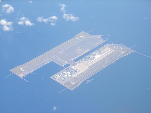 上空から見た関西空港