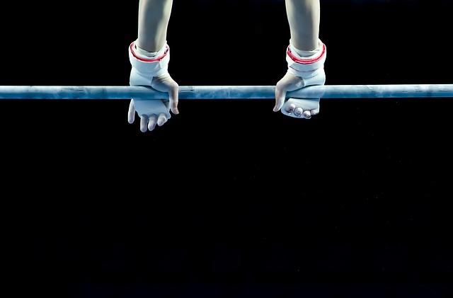 体操競技の鉄棒