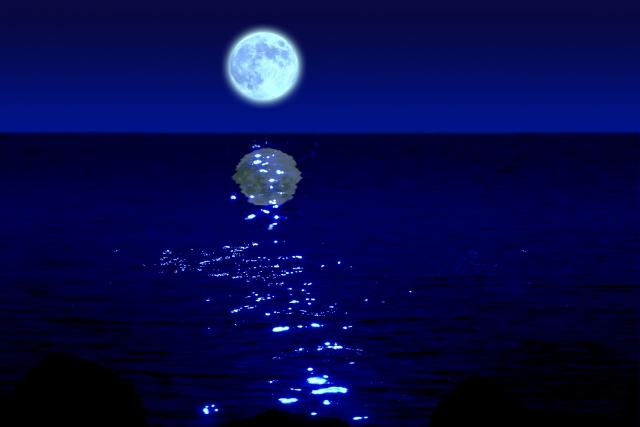 青い月とムーンロード