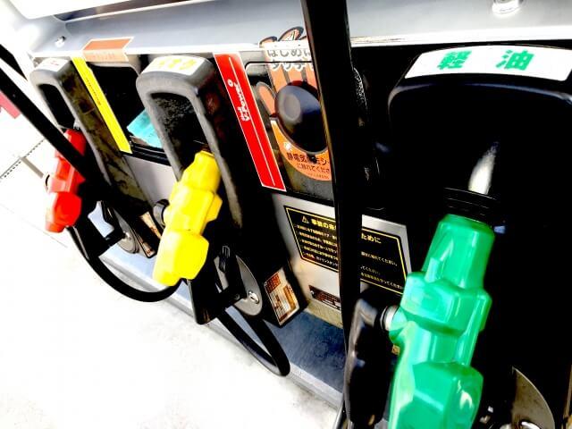 ガソリンスタンドの給油