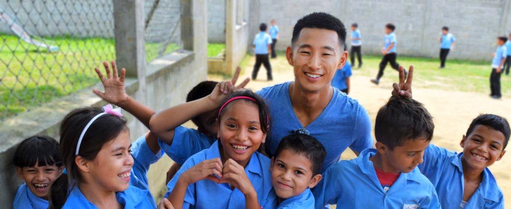Shin Fujiyama at the Villa Soleada Bilingual School | CNN Hero | Students Helping Honduras | Social Entrepreneur