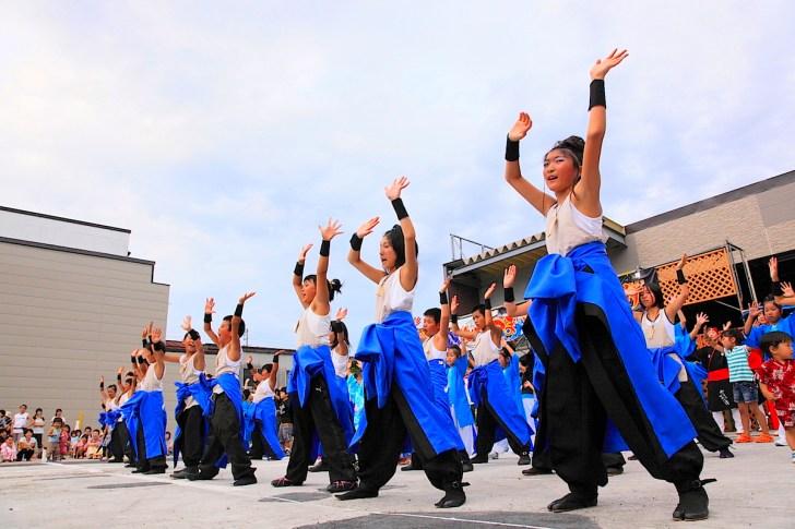明るい時間帯は「IIYAMA DANCE FES(飯山ダンスフェス)」