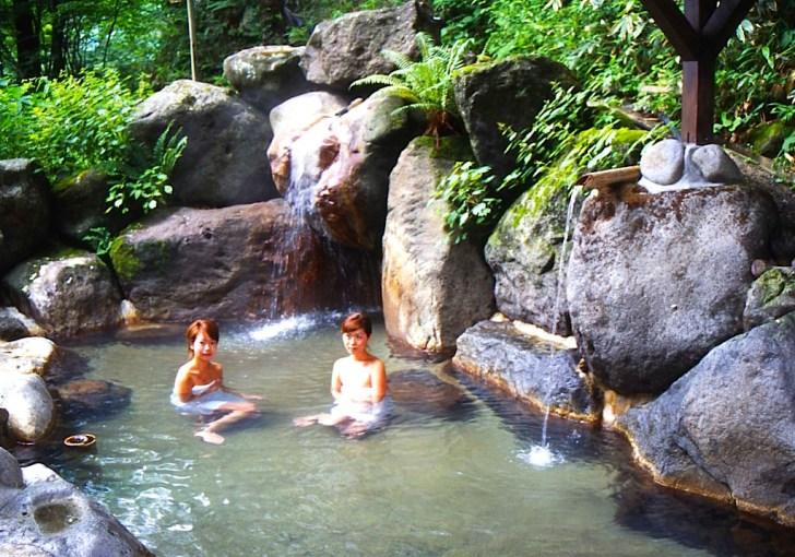 平湯温泉発祥の湯「神の湯」には山県昌景軍が発見という伝承が!
