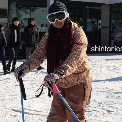 Sensasi Liburan Musim Dingin dengan Bermain Ski di Korea