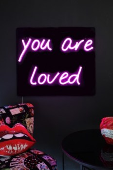 you_are_loved_pink_neon_wall_light_lifesttyle_lowres