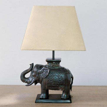 oka-elephant-desk-lamp