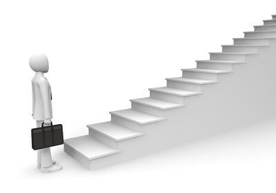 ネットビジネスの副業で稼げるようになるための4ステップ!