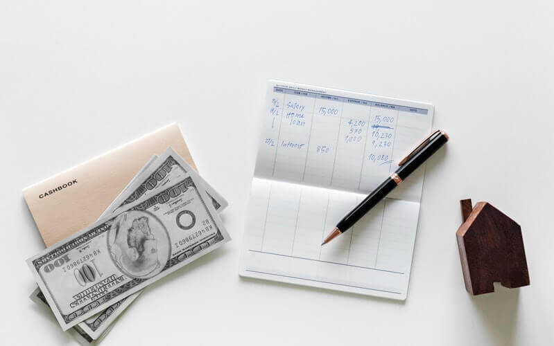 お金と通帳