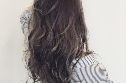 アッシュのヘアスタイル