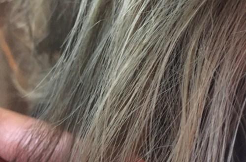 カークグレージュに染めた髪の毛