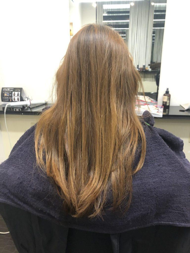 赤みの残るブラウンヘア