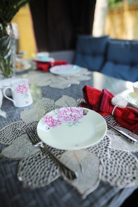 ROYAL ALBERT MIRANDA KERR - EVERYDAY FRIENDSHIP DINNERWARE Set/4 Assorted Designs Accent Plates, 20cm