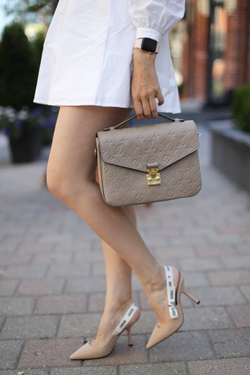 Louis Vuitton Pochette Metis + DIOR Pumps