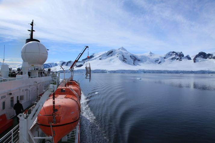 Antarctica-Bucket-List-1