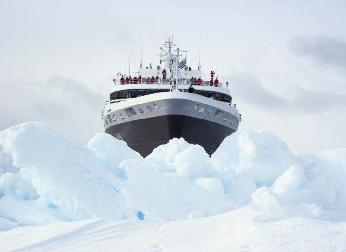 PONANT ICEBREAKER EXPEDITION 1 (c) PONANT_Nicolas DUBREUIL