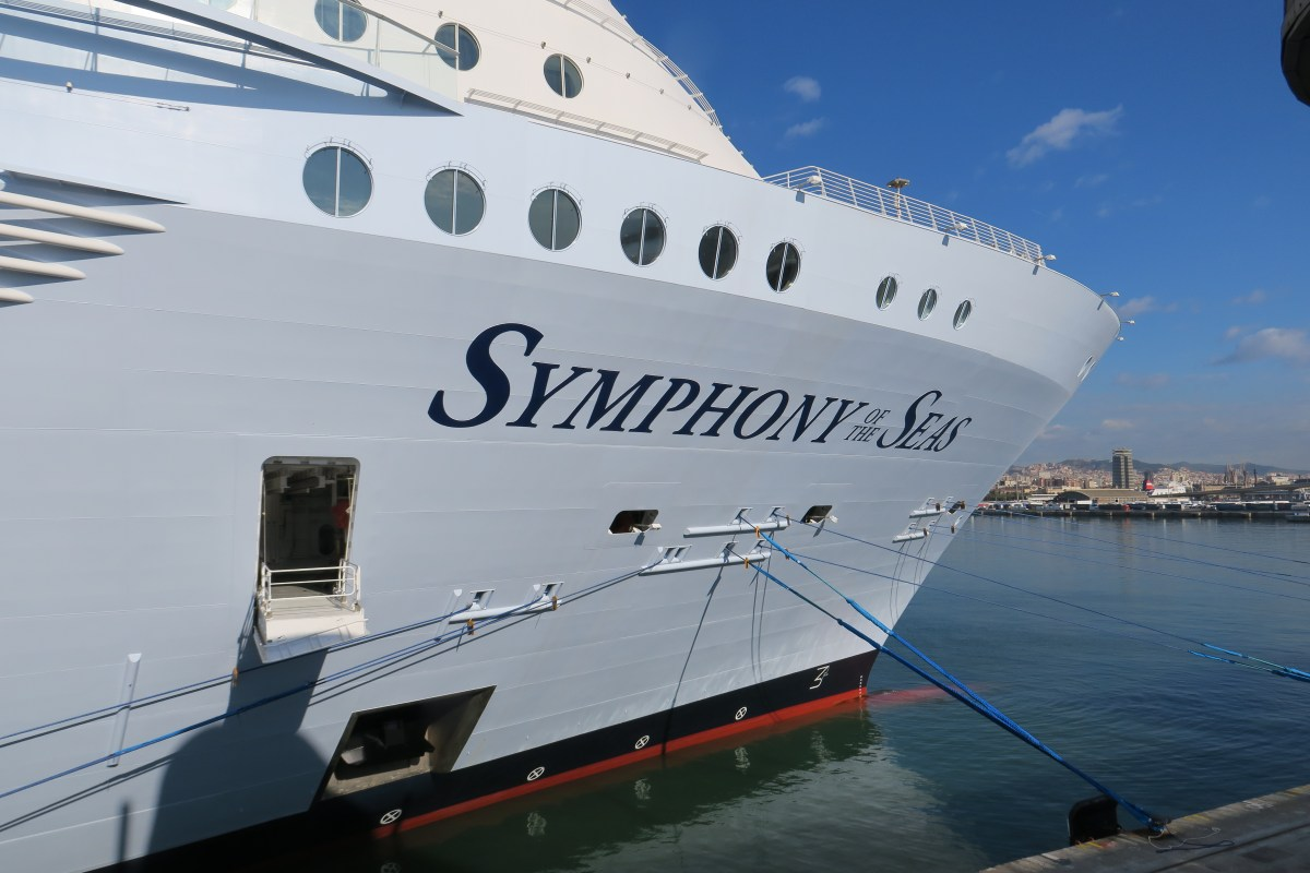 Photo tour of the world's biggest cruise ship, Symphony of the Seas (with video of the Ultimate Abyss)
