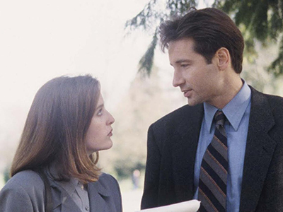 Mulder and Scully in the pilot episode of The X-Files