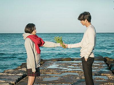 Kim Shin and Ji Eun-tak meet in Goblin
