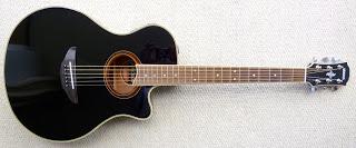 Gitar akustik yamaha