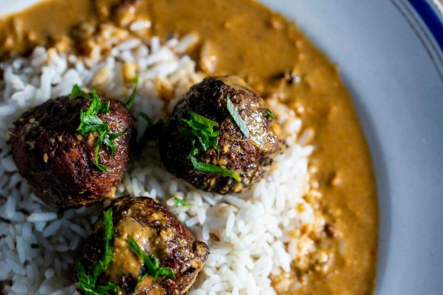 recette du kofta végétarien aux aubergines sauce safran, recette végétarienne, recette sans gluten, épices biologiques, cuisine indienne, cuisine proche-orientale