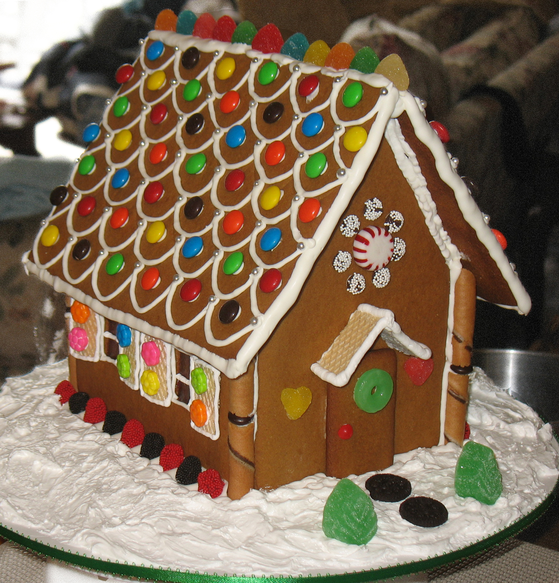 The Gingerbread House Centerpiece