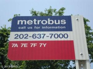 Metrobus Shuttle to Pentagon Metro