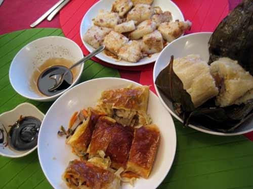 端午节晚餐 (看起来,粽子好像只是配角?! )