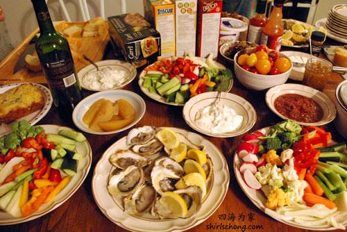 在Taste! 吃了后,回去住宿继续吃! :)