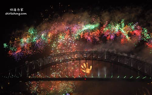 2010 悉尼新年烟花表演 (Sydney New Year Eve Fireworks)