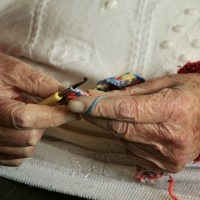 100-year-life-hands-2066551_1280
