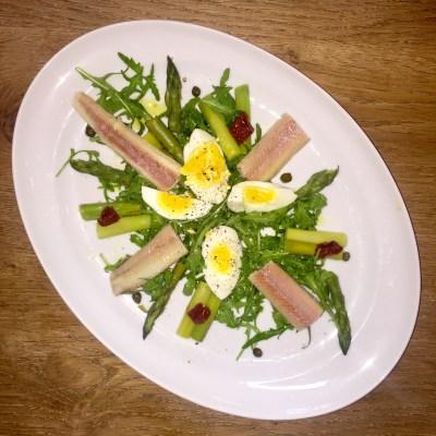 Salade paling en groene asperges