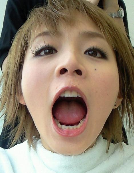 平野綾のフェラ顔舌見せ (4)