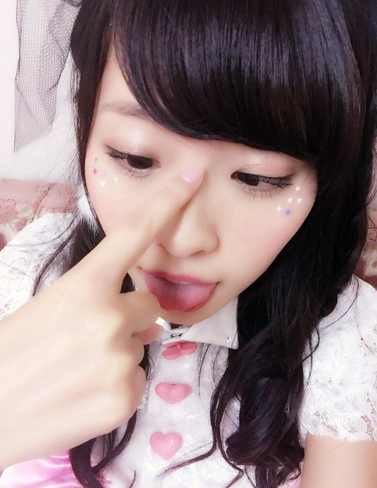 矢野目美有のぽってり舌 (7)