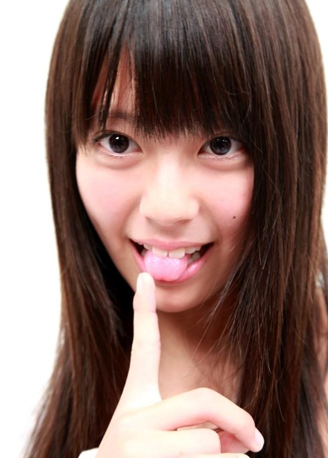 藍の舌出し (2)