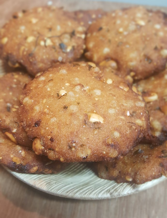 Easy Sabudana Puri Recipe- The Fasting Delight