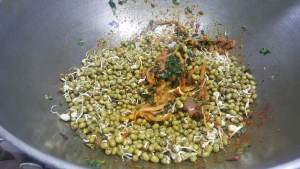 Green Sprouts Curry Step 3