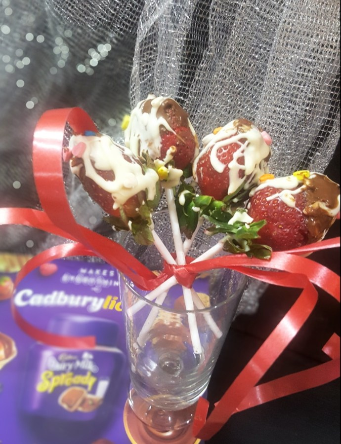 Valentine's Strawberries !! With Cadbury Dairy Milk Spready