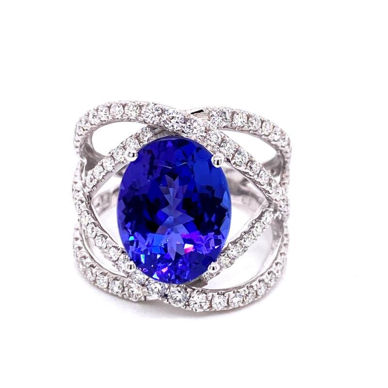 18kt Ring with Tanzanite & Diamonds